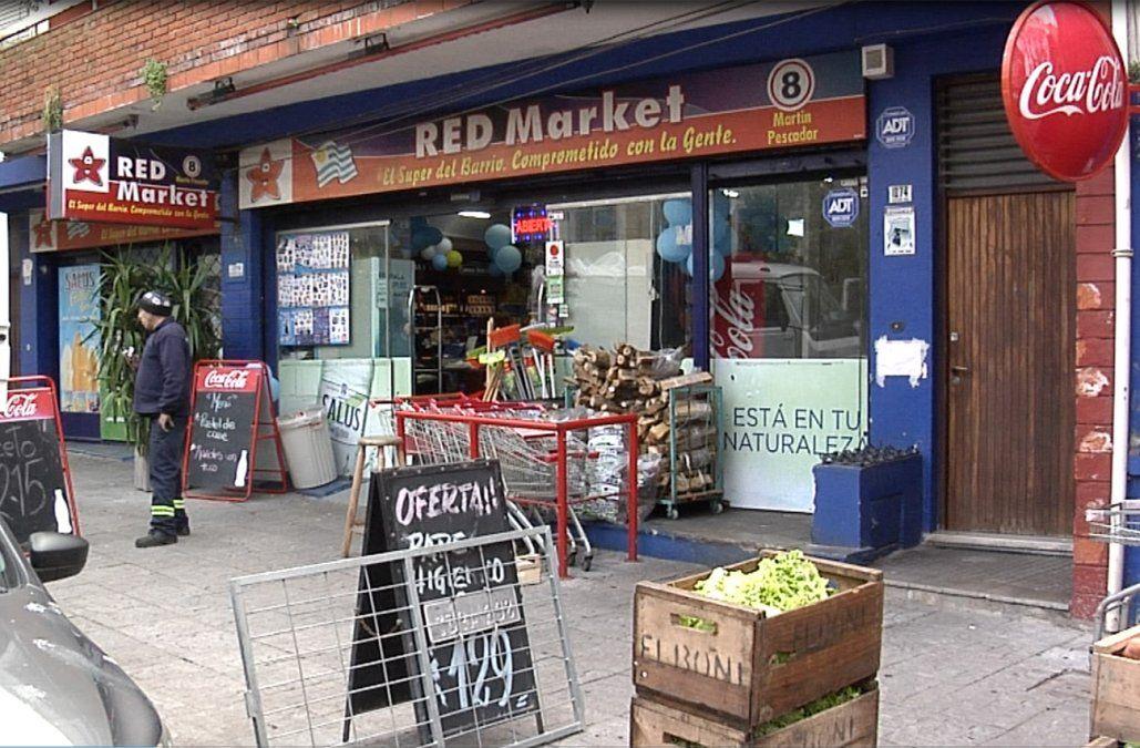 Policía baleado al evitar que cuatro delincuentes robaran un supermercado
