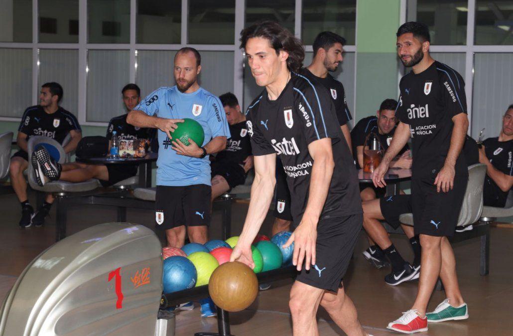 Los jugadores jugaron al bowling y al pool en el complejo Krasnaya Gorka (Foto: Twitter @Uruguay)