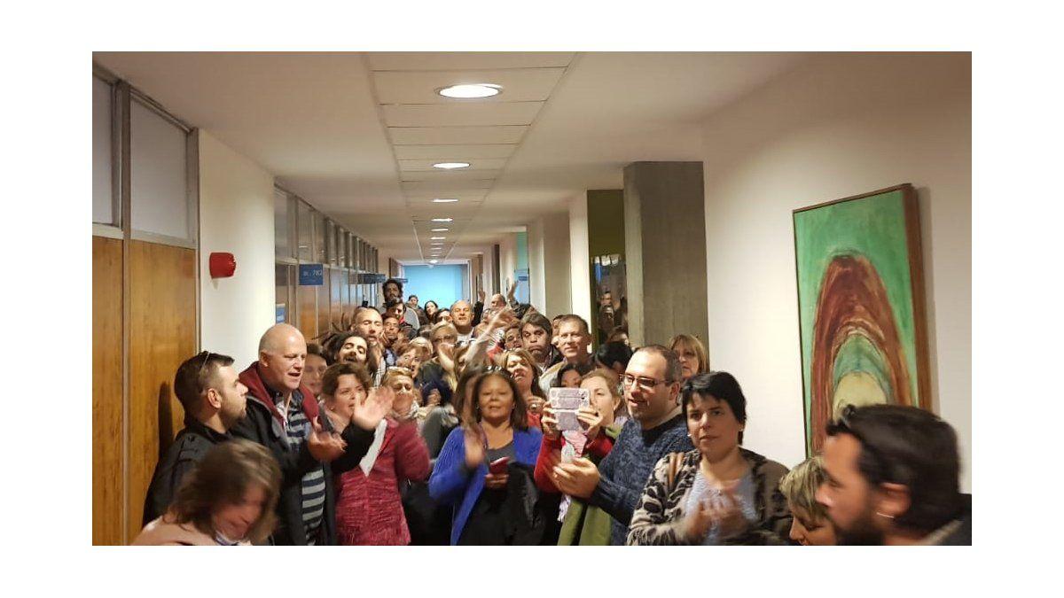 Funcionarios de salud pública ocupan el piso 7 de la sede central de ASSE