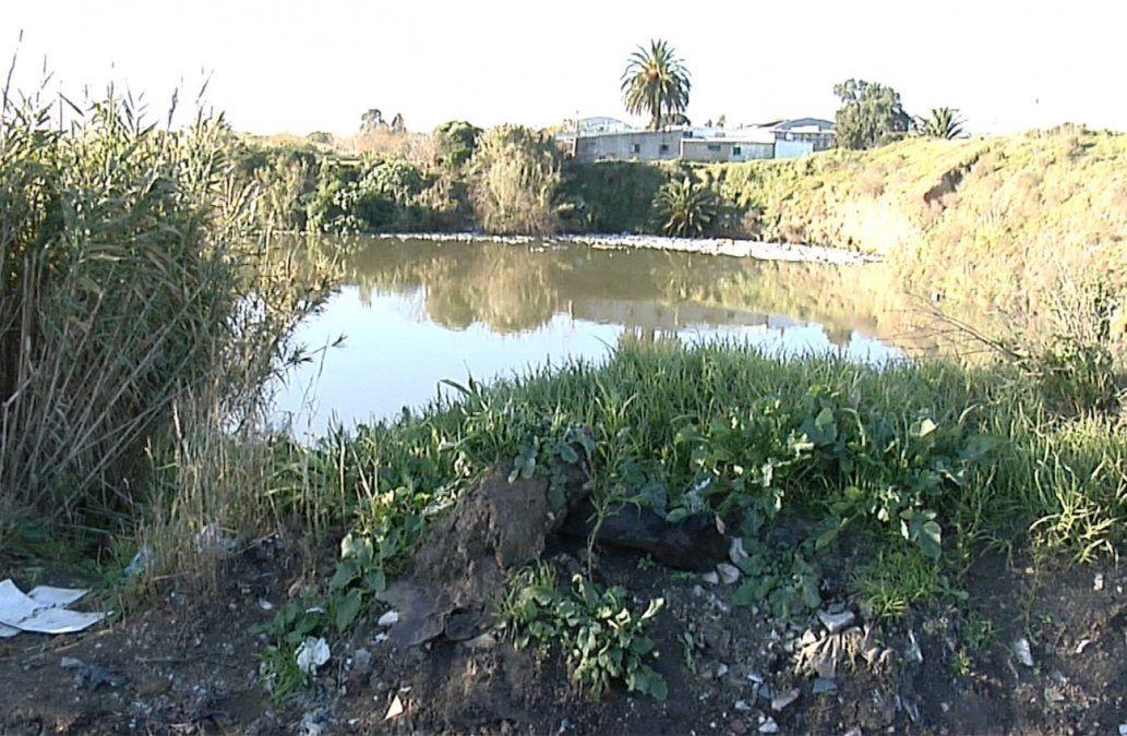 Encontraron un cuerpo calcinado al borde de una cantera en Las Piedras