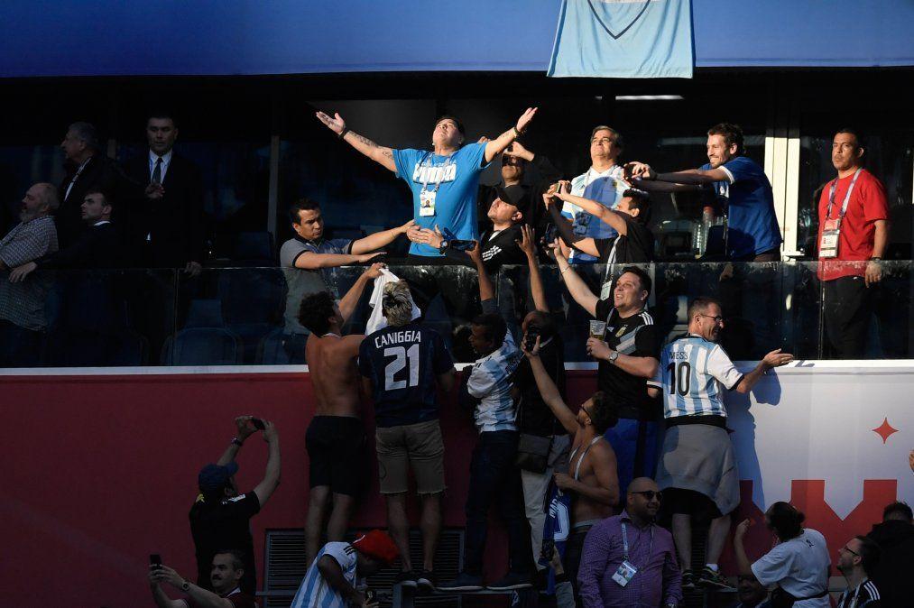 Las insólitas reacciones de Maradona durante el partido de Argentina