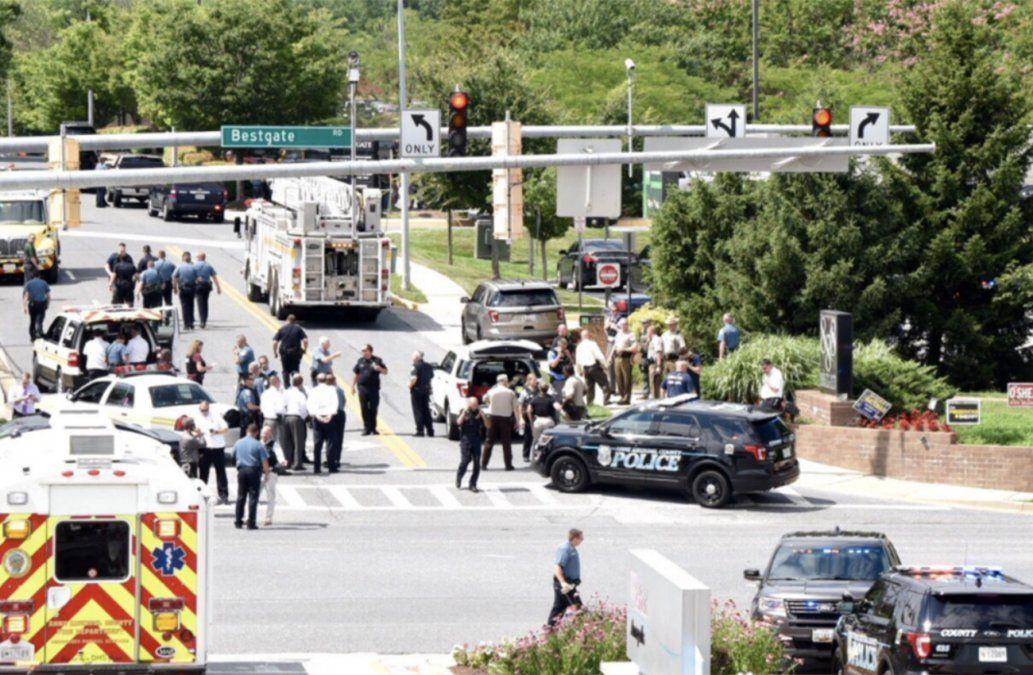 Responsable del tiroteo que dejó 5 periodistas muertos es un hombre blanco