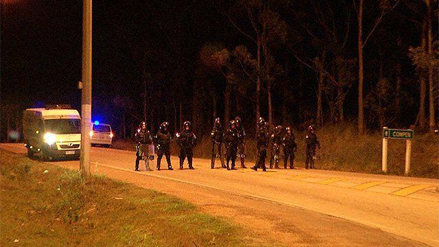 Policiales cercando el Comcar.