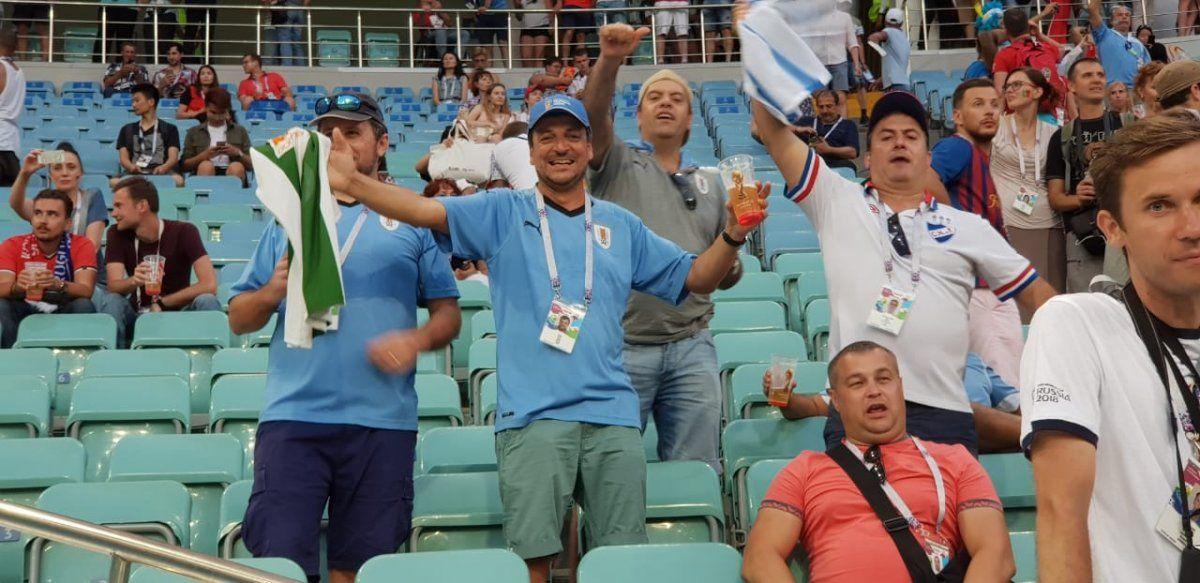 Se la jugaron, están en Rusia y así festejan el triunfo de Uruguay