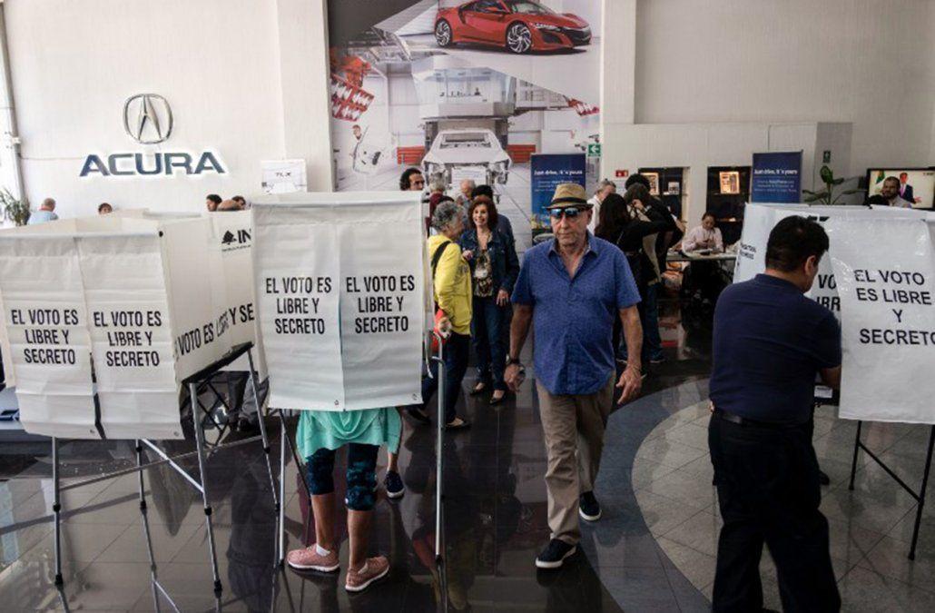 México elige presidente con el izquierdista López Obrador como favorito