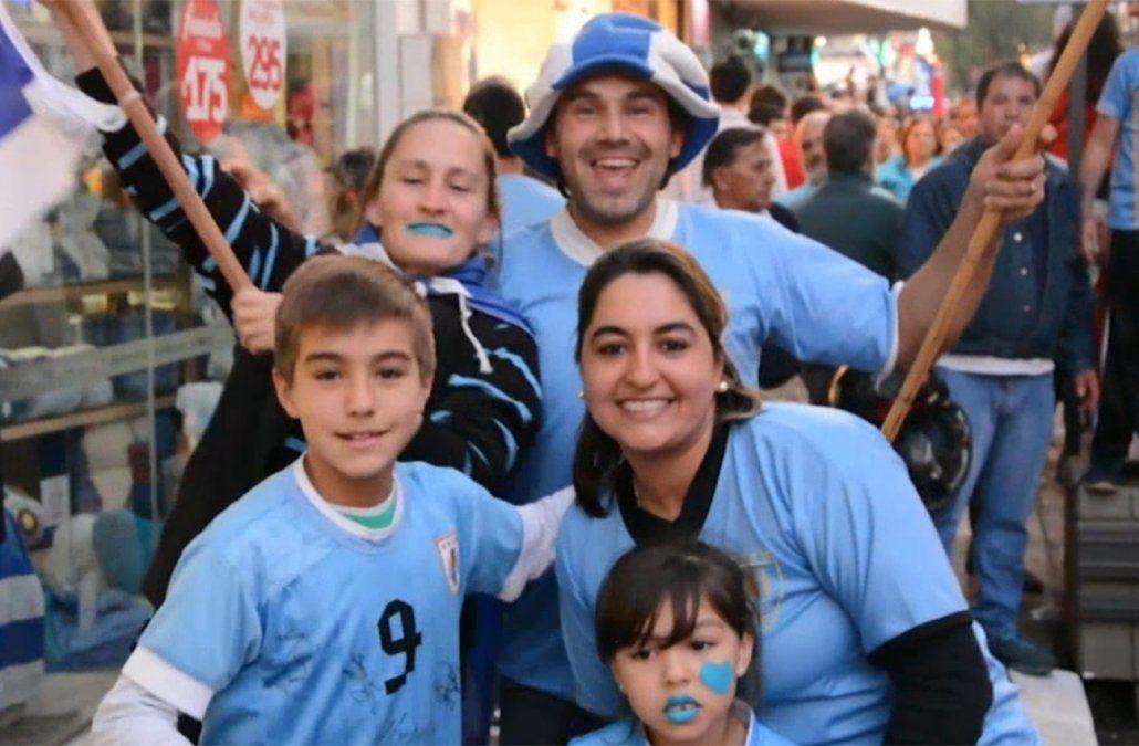 Así festejaron los hinchas la victoria de Uruguay y su pasa a cuartos de final