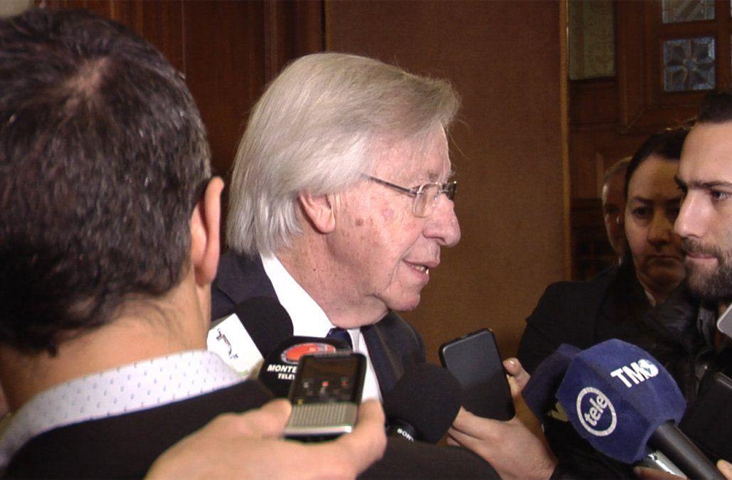 Astori concurrirá el martes 10 al Parlamento para explicar la Rendición de Cuentas