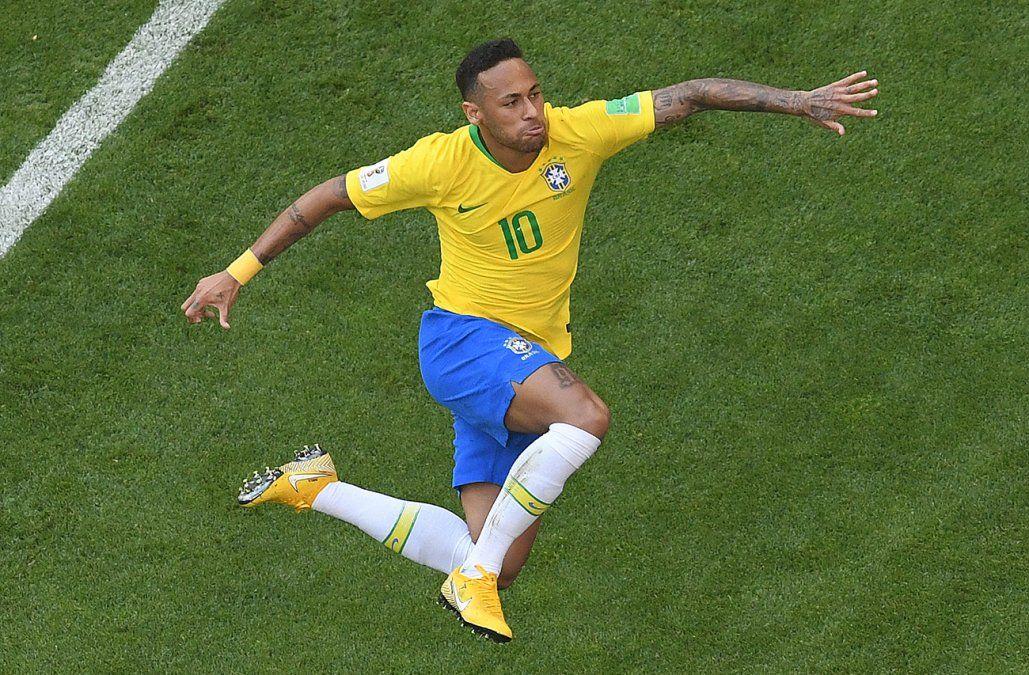 Brasil pasa a cuartos de final y México se vuelve a casa
