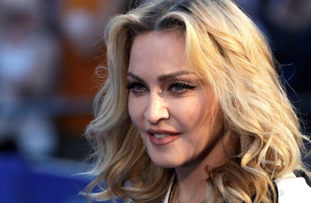 Madonna genera controversia política en Lisboa por su estacionamiento para 15 autos