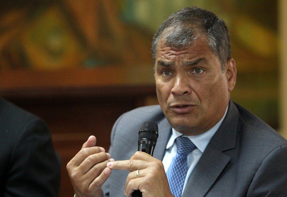 Dictan prisión preventiva para el expresidente ecuatoriano Rafael Correa