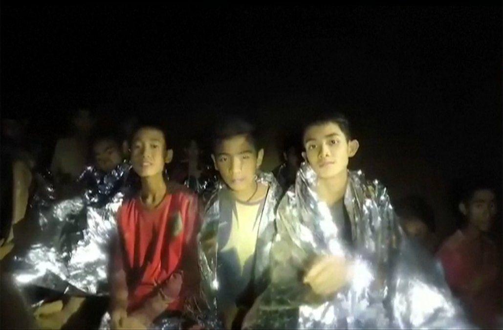 Rescate de niños atrapados en cueva de Tailandia podría llevar varios meses