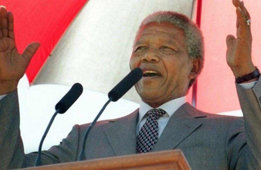 Fundación subasta una noche en la celda de Nelson Mandela