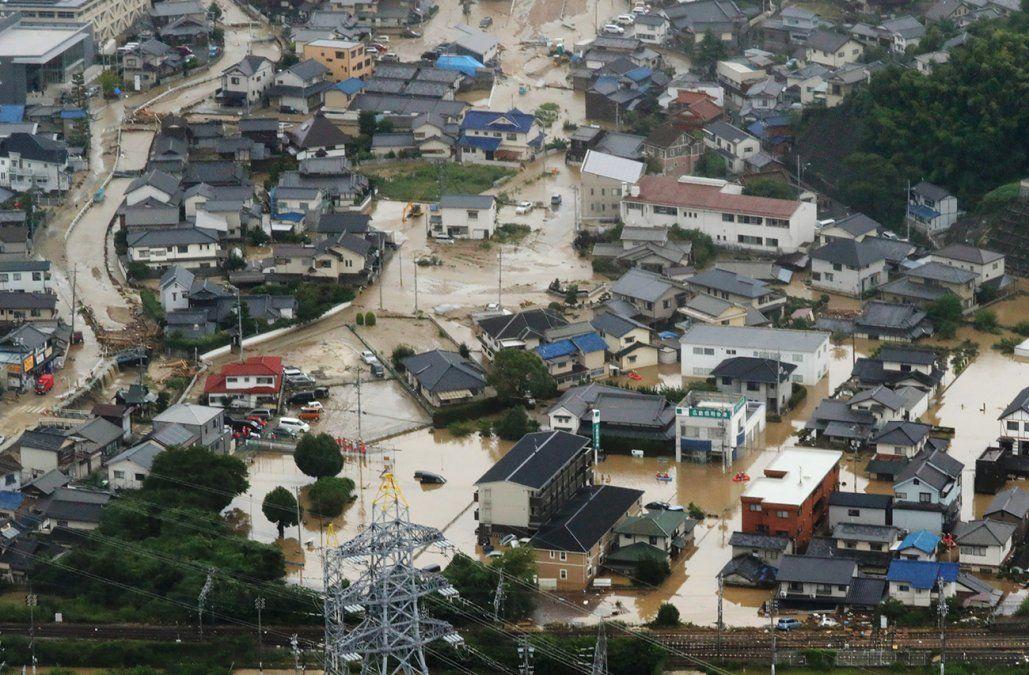 Aumenta a 75 el balance oficial de muertos por las lluvias en Japón