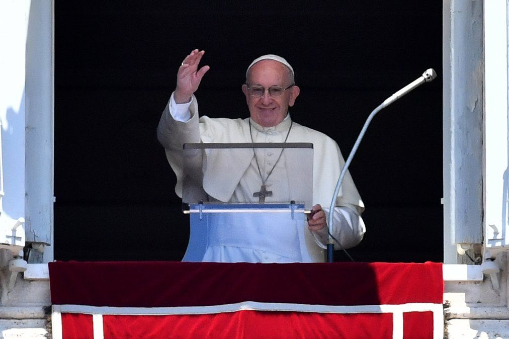 La próxima sale: el Papa Francisco anima a los brasileños en la Plaza de San Pedro