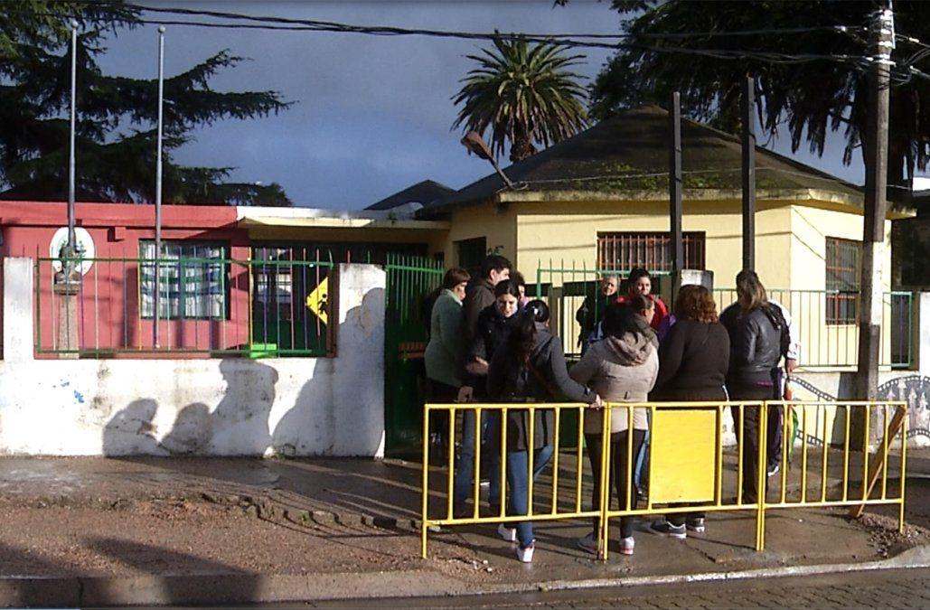 Robaron otra vez la escuela de La Paz y los padres piden estufas para los niños