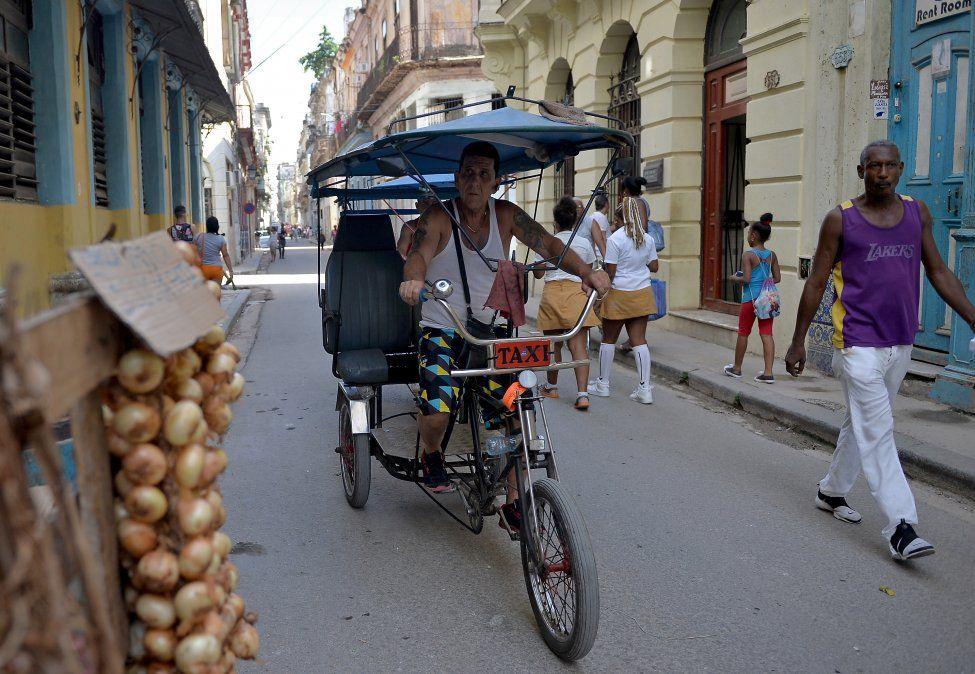 Cuba da nueva luz verde al trabajo privado, pero aumenta los controles