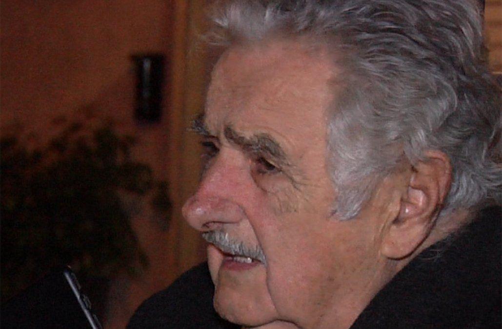 Mujica a la salida de la cena con líderes sectoriales del FA