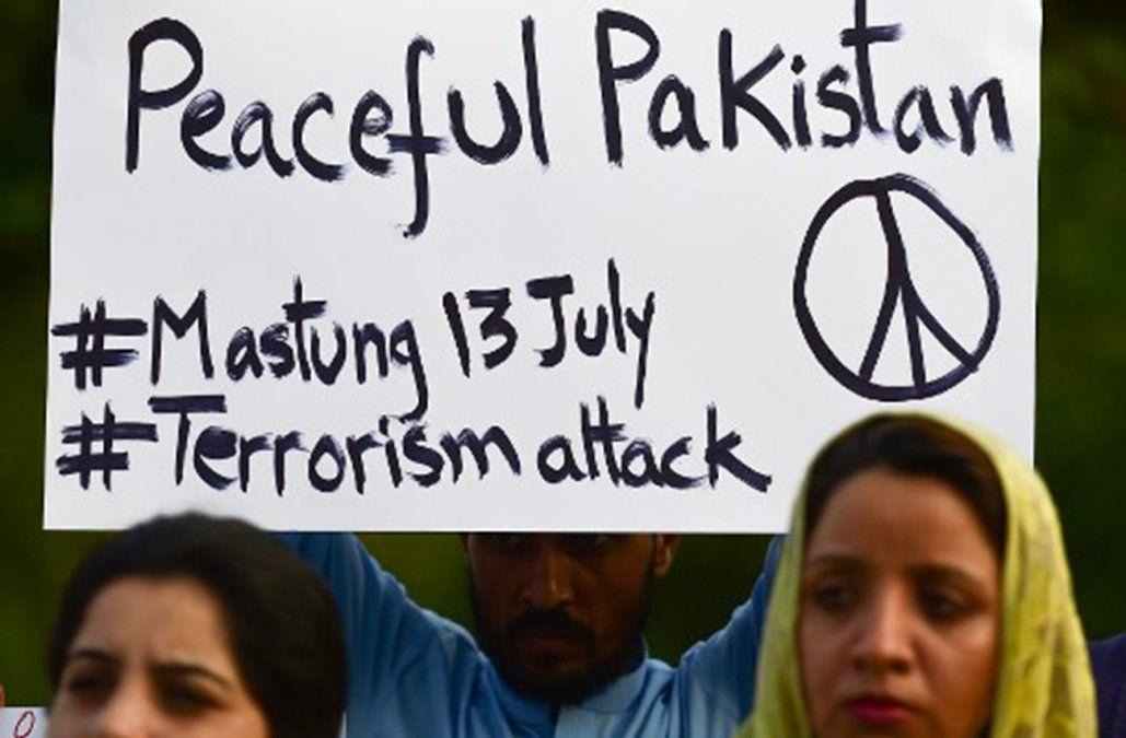 Conmoción en Pakistán tras un atentado durante un acto electoral