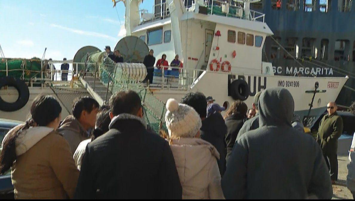 Náufragos del pesquero español hundido en Argentina llegan a Montevideo