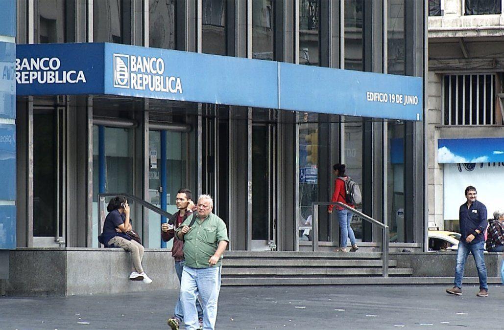 Sindicato bancario alerta sobre problemas en nuevo sistema del Banco República