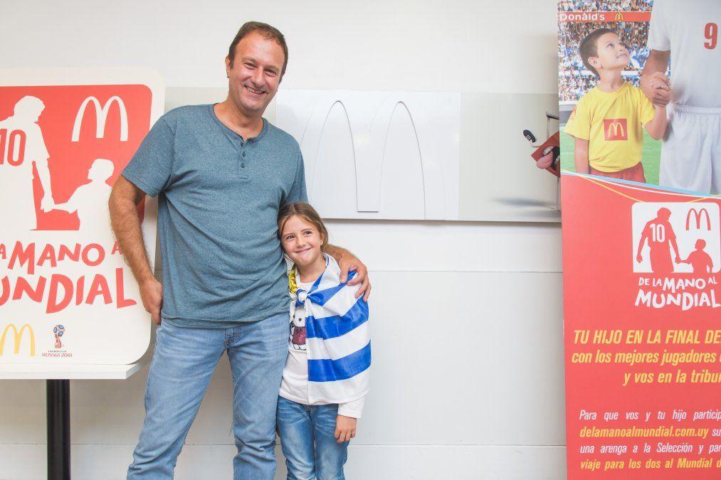 Sofía junto a su padre José