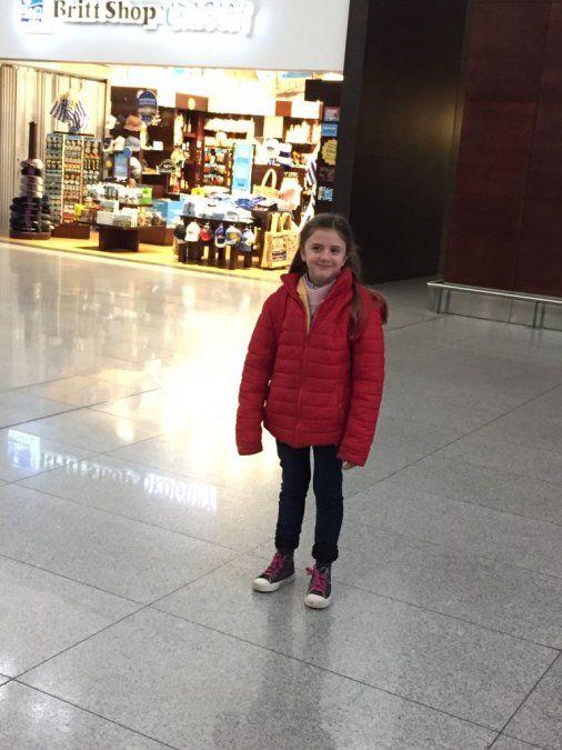 Sofía al partir en el Aeropuerto hacia Rusia