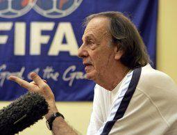 Menotti furioso con AFA por supuesta compra de inmueble en Marbella para reclutar juveniles