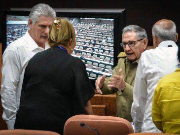 Cuba aprueba proyecto de nueva Constitución que reconoce propiedad privada