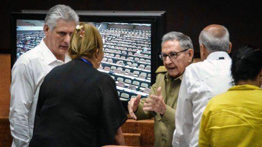 """Constitución de Cuba permitirá riqueza, sin """"sociedad comunista"""""""