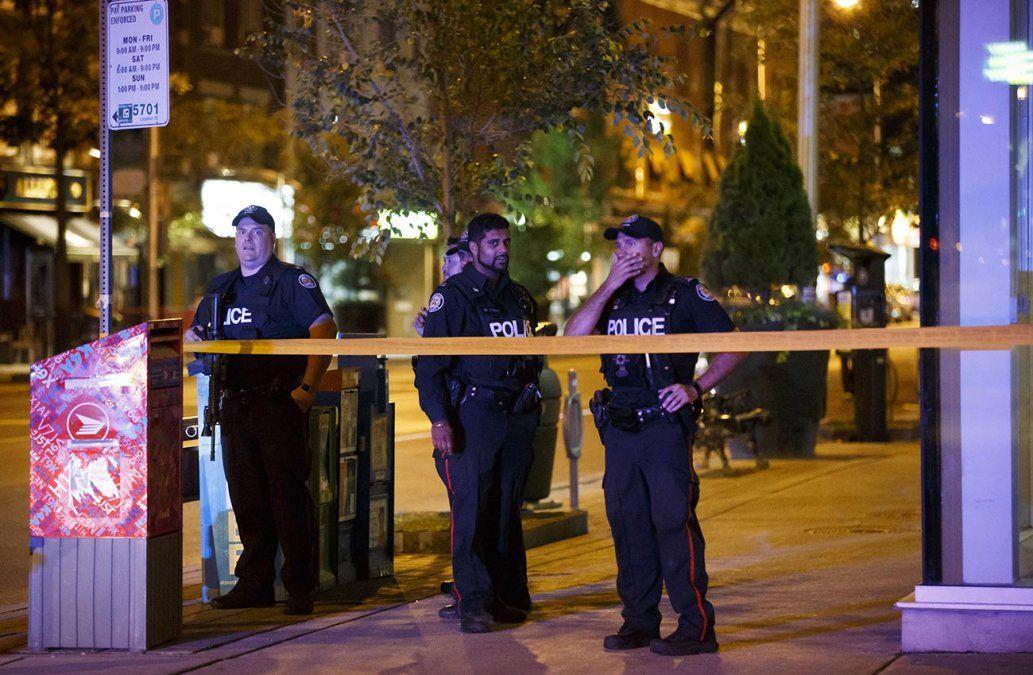 Tiroteo de Toronto deja dos muertos, incluido el atacante, y 13 heridos