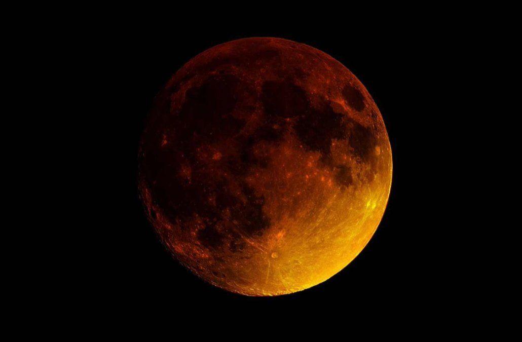 Este viernes se producirá el eclipse lunar más largo del siglo