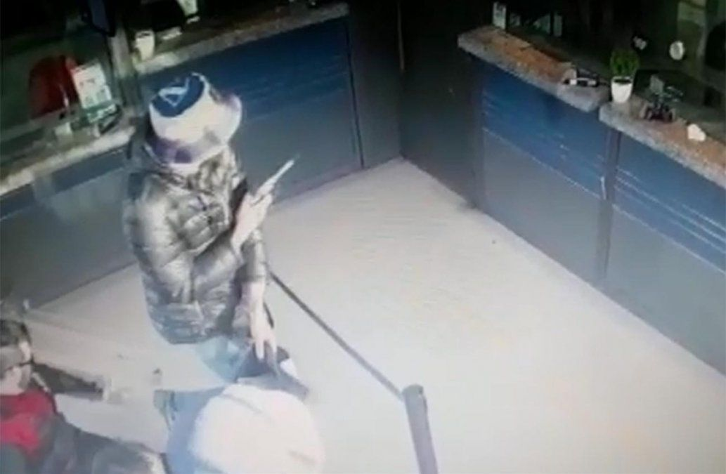 Delincuentes no lograron robar local de pagos pero asaltaron a los clientes