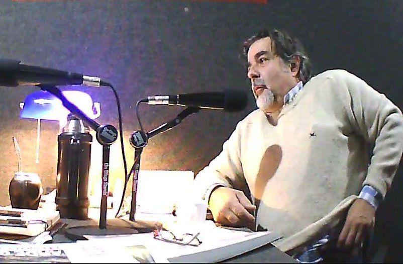 Zubía sacó su revólver calibre 22 en una entrevista radial