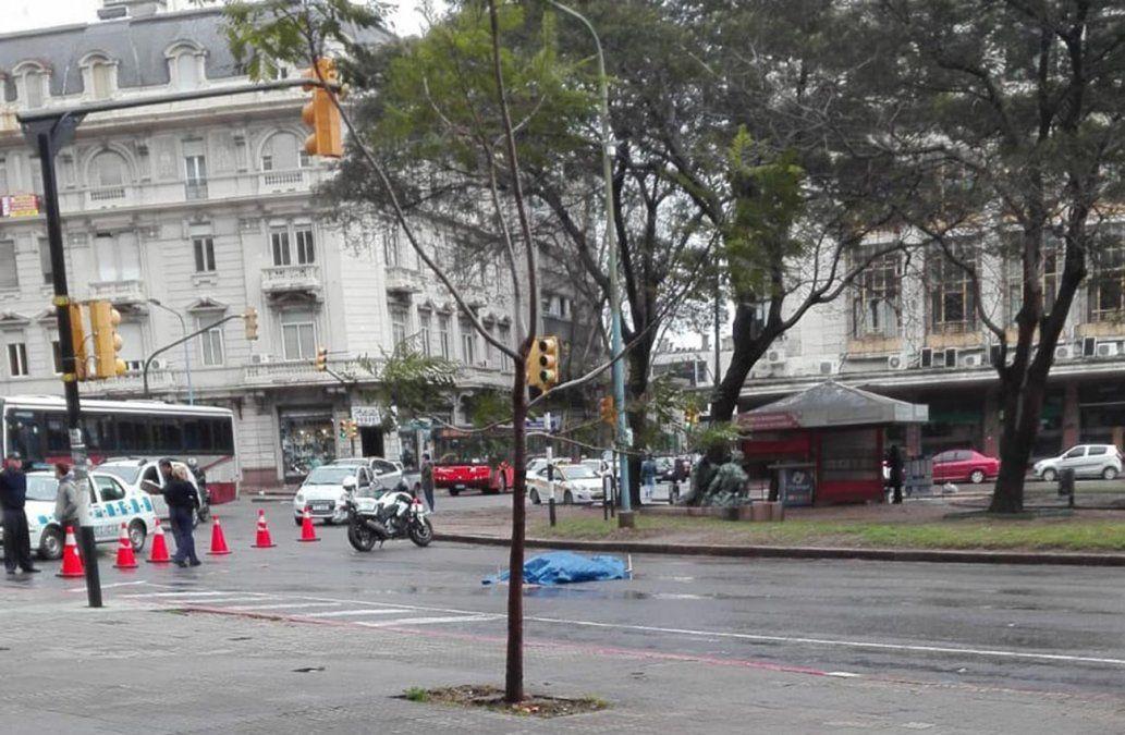 Una mujer falleció atropellada por un ómnibus de Buquebus