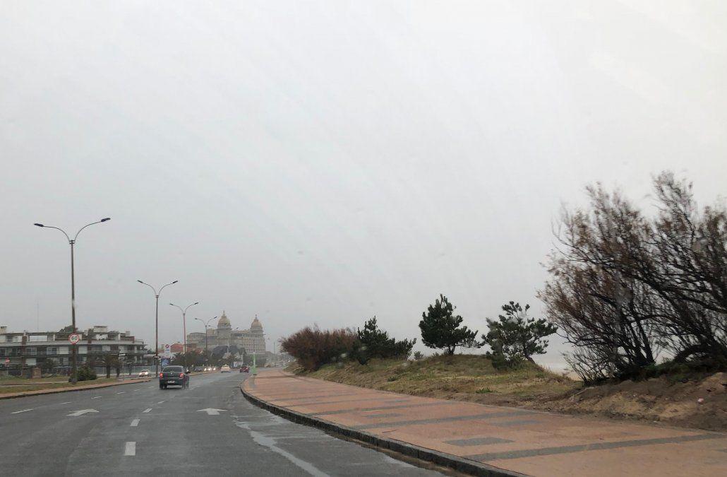 Domingo con cielo cubierto y precipitaciones aisladas