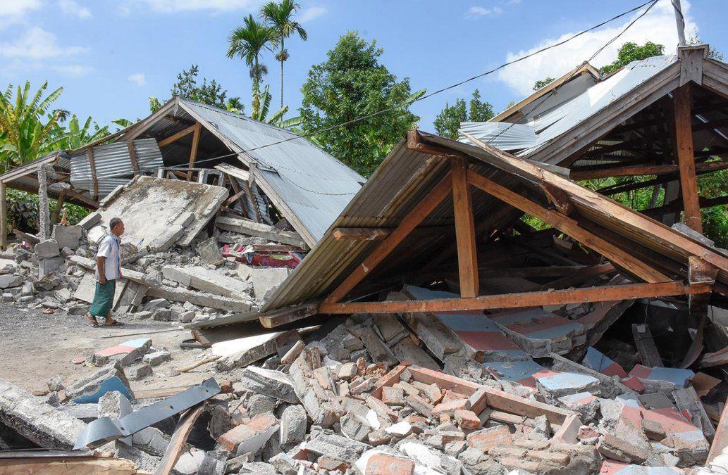 Al menos 14 fallecidos y más de 160 heridos tras terremoto en Indonesia