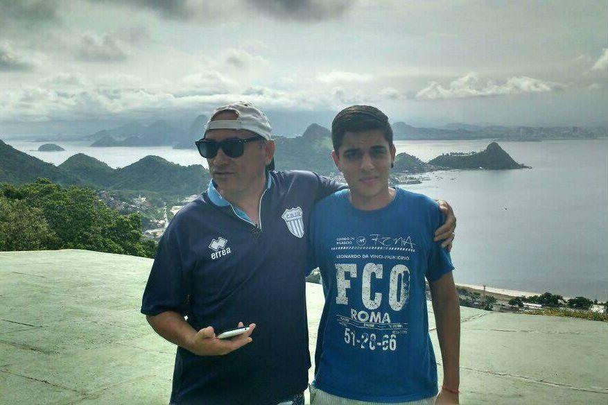 Gustavo con su hijo Fernando. Dijo que se llevaban bien