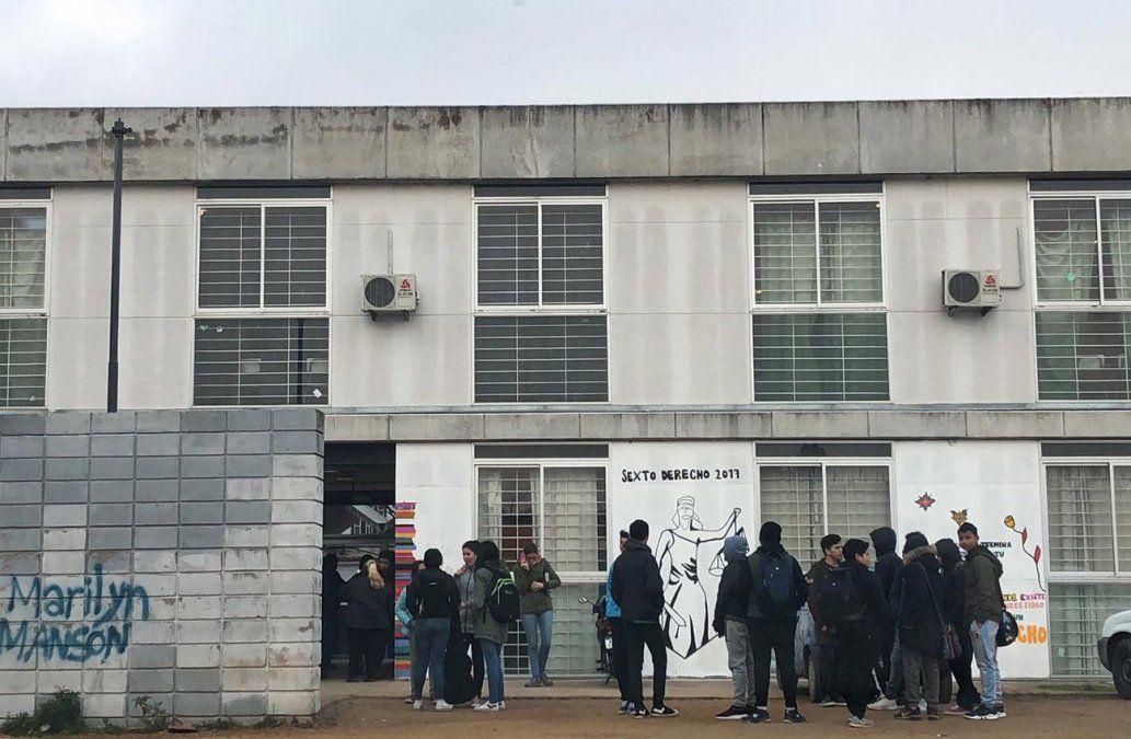 Estudiantes del Liceo Nº 1 de La Paz no ingresaron a clase: exigen seguridad