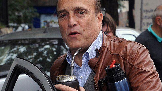 El Pelado Martínez comenzó militando cladestinamente en la Juventud Socialista y fue dirigente sindical de Ancap antes de recibirse como ingeniero.
