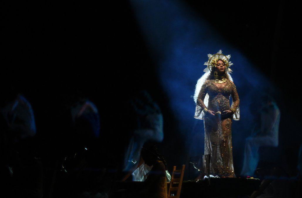Beyonce instó a mujeres y hombres a aceptar la belleza natural de sus cuerpos