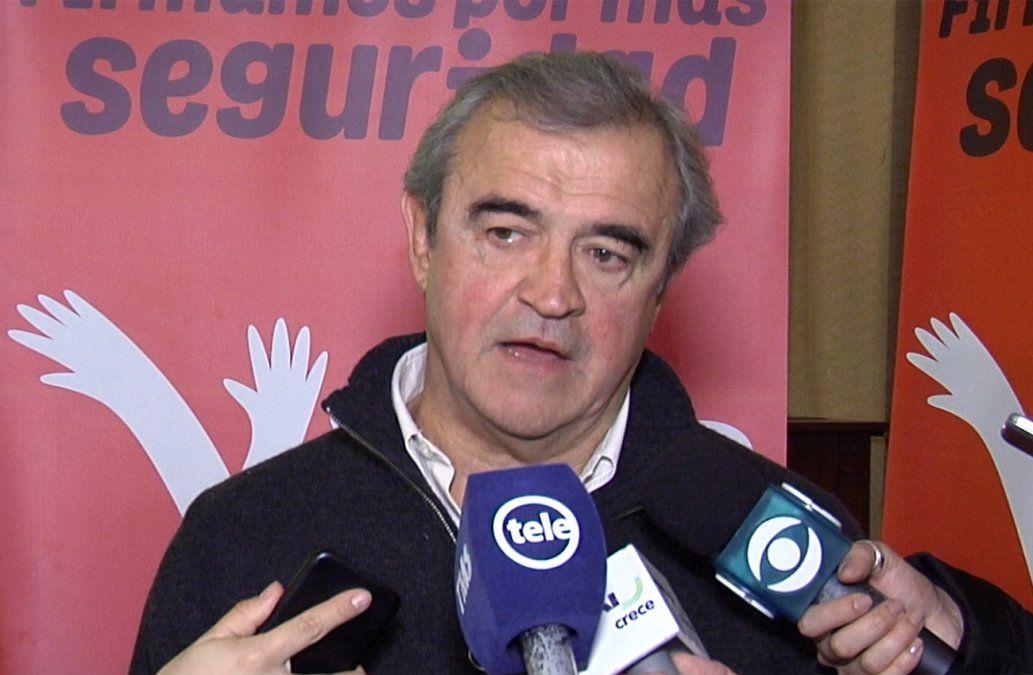 Larrañaga anuncia que llegó a las 100.000 firmas para reformar la Constitución