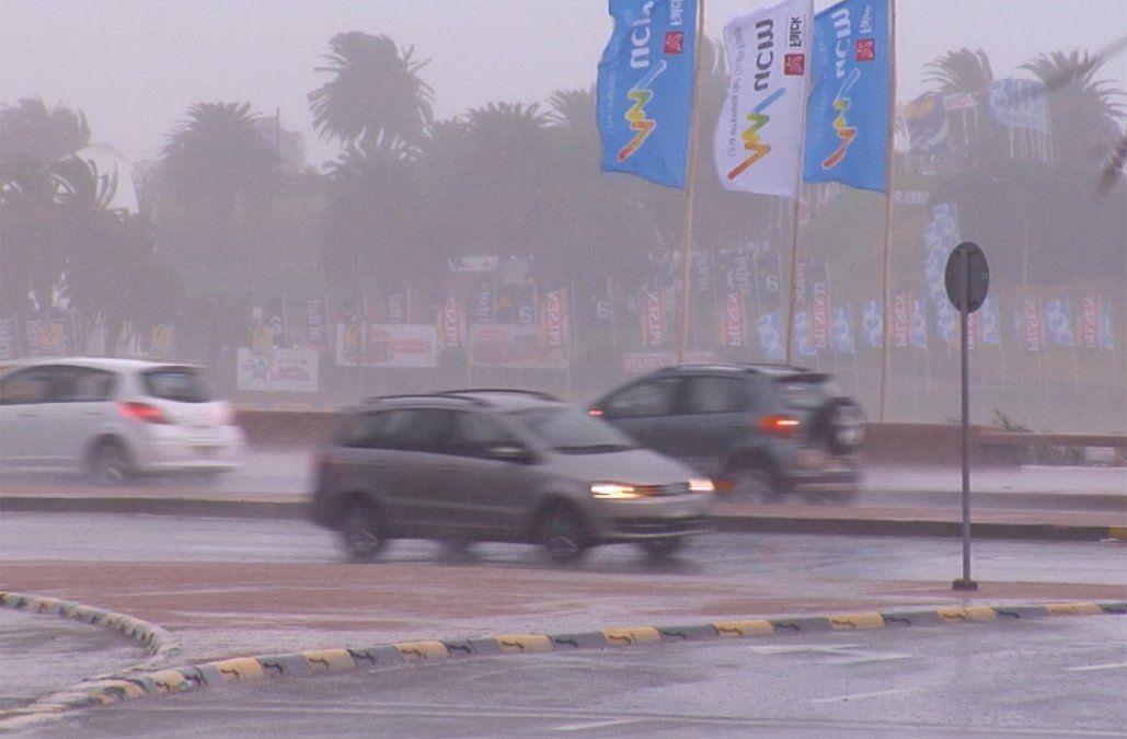 Alerta roja por vientos muy fuertes y persistentes en Maldonado y parte de Rocha