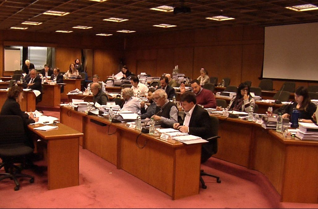 Rendición de Cuentas: FA aprobó reasignar más recursos para ANEP y Fiscalía