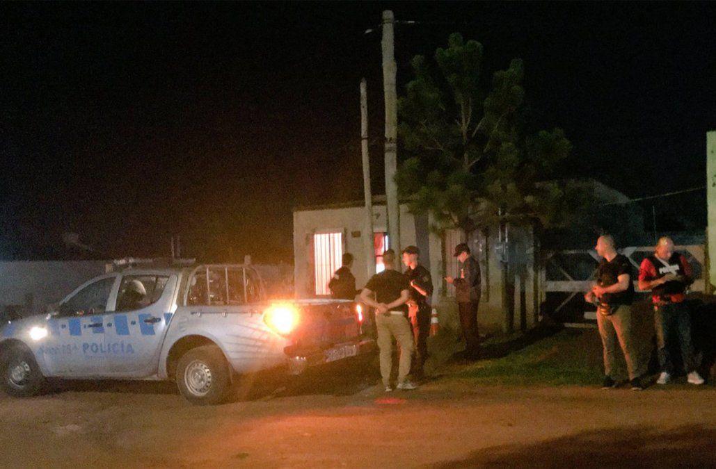FOTO: Policía en la escena de otro femicidio en Melo