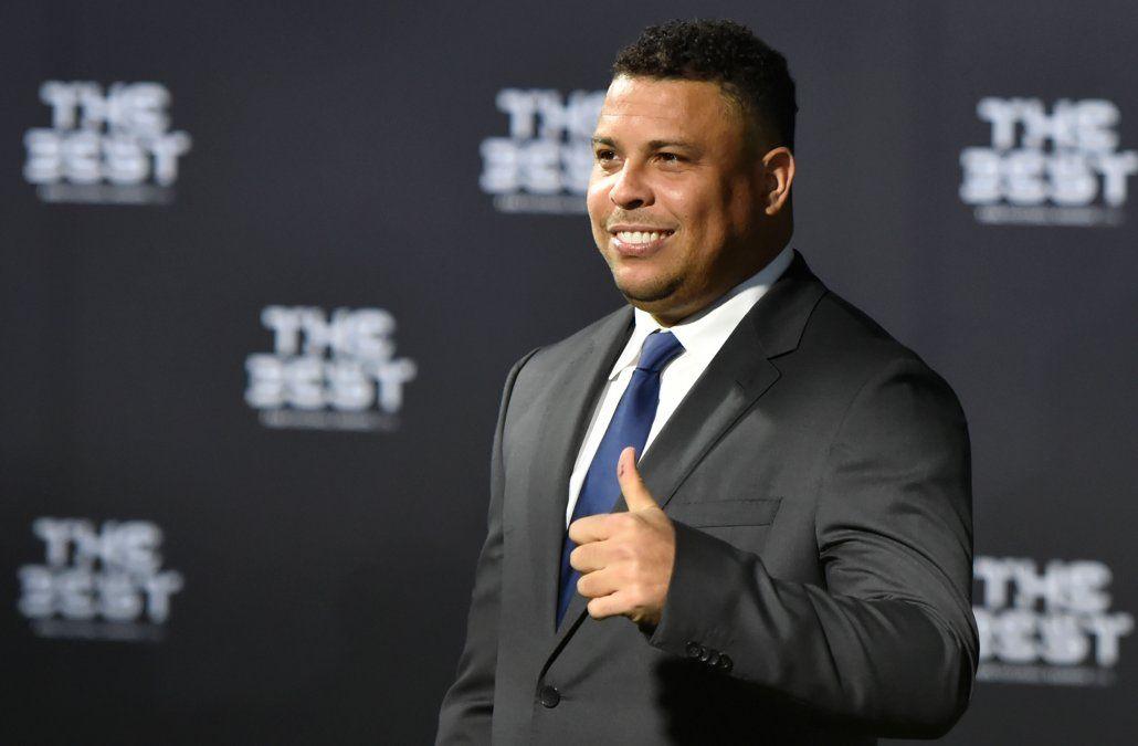 El ex futbolista brasileño Ronaldo fue hospitalizado por una neumonía