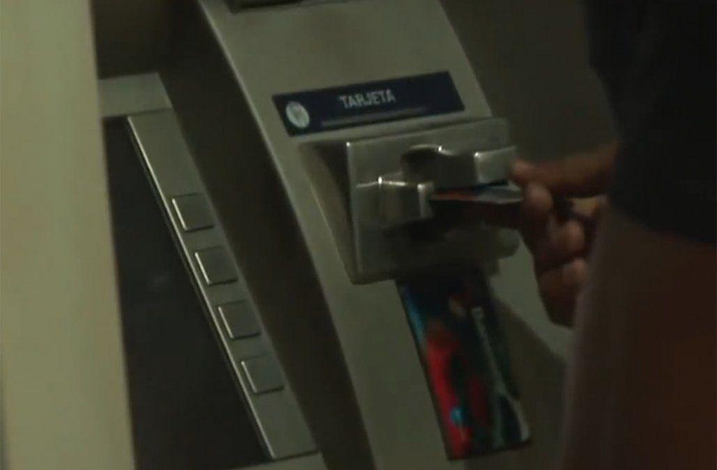 FBI advierte por posible ataque masivo a cajeros automáticos en todo el mundo