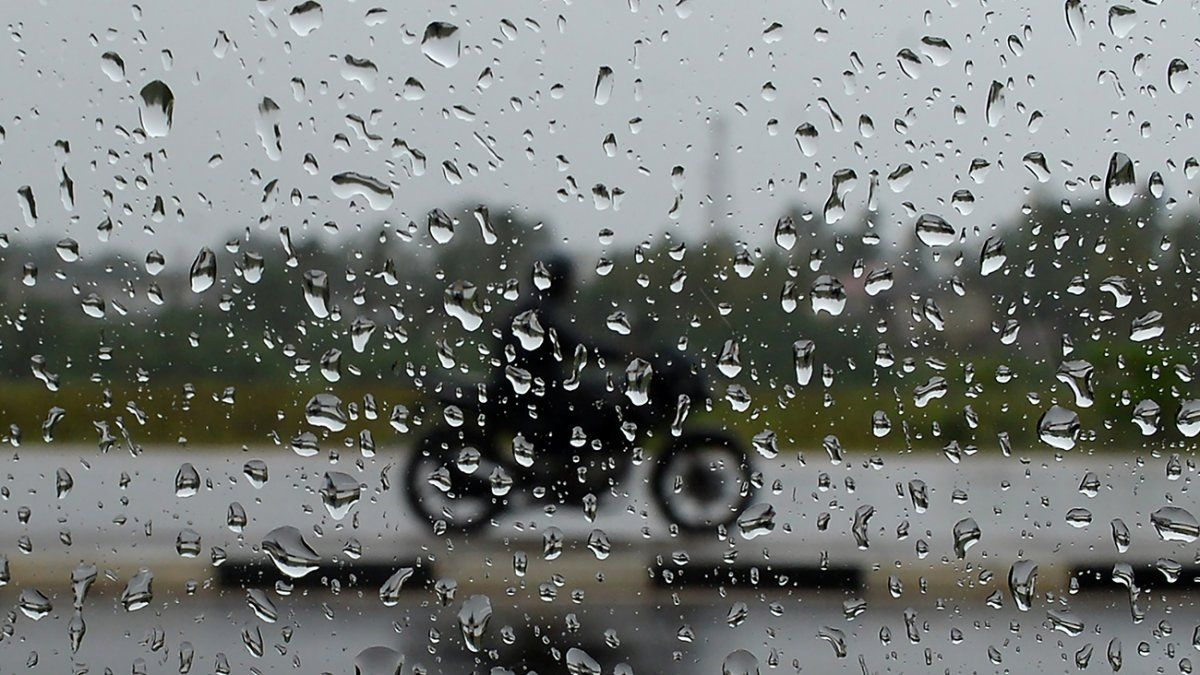 Tormentas fuertes con mucha lluvia y viento en gran parte del país