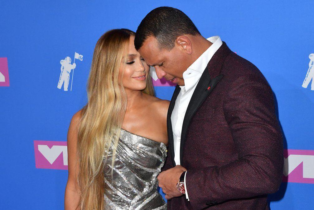 Jennifer Lopez y Alex Rodriguez en la pink carpet de los MTV Video Music Awards 2018