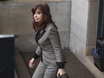 Cristina Fernández se declara dispuesta a que allanen sus viviendas
