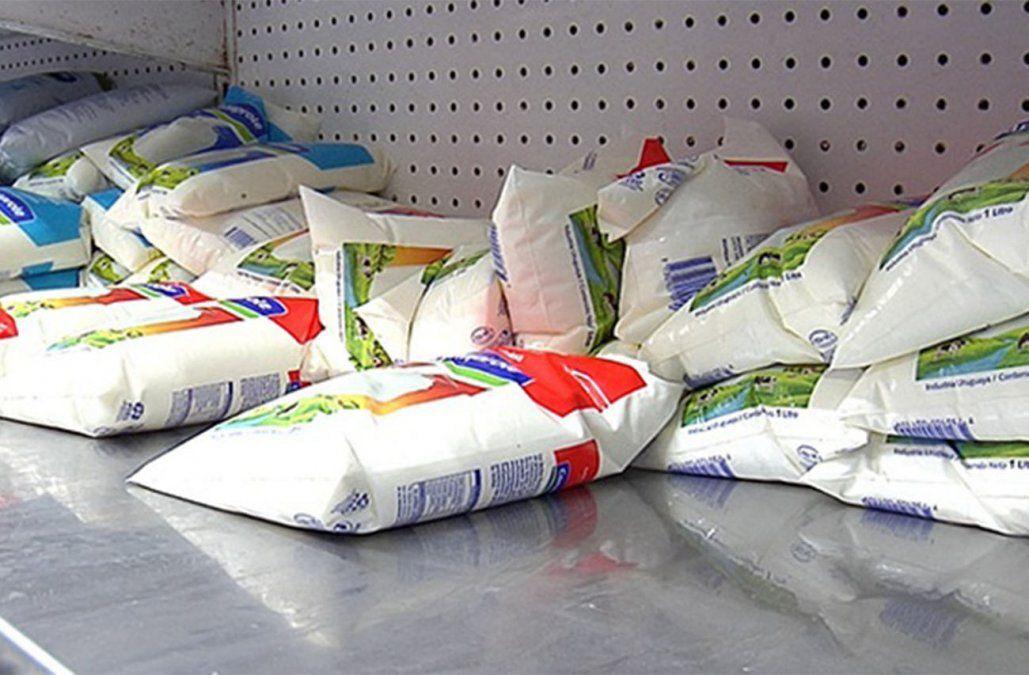 Faltará leche durante el fin de semana; distribuidores no entregan hasta el martes